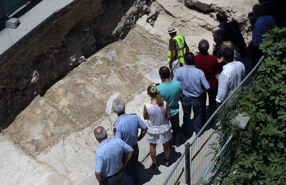 Σκάβουν για το ψηφιδωτό με τους άθλους του Ηρακλή: Αποφασίστηκε η απαλλοτρίωση και η κατεδάφιση οικίας στη Λάρνακα!