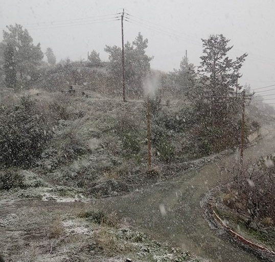 Χιόνια στην επαρχία Λάρνακας! Αποκλειστικές φωτογραφίες στο larnakaonline.com.cy