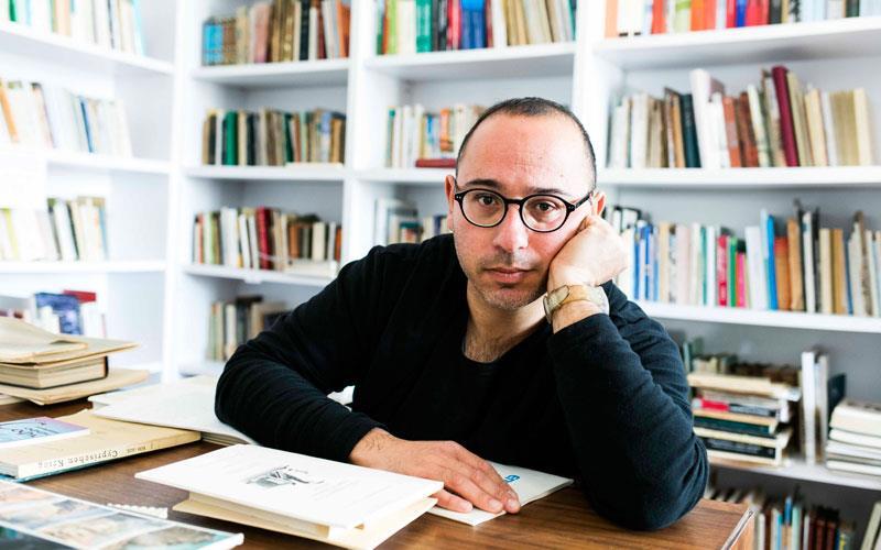 Ο ταλαντούχος Κώστας Μαννούρης  μιλά στο LarnakaTV  για το βραβείο ΘΟΚ ,τη «Χλωροφύλλη» και άλλα πολλά!