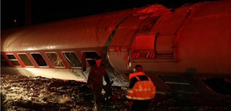 Τραγωδία από εκτροχιασμό τρένου στη Θεσσαλονίκη – 2 νεκροί, 7 τραυματίες (pics-video)