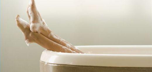 Πολλοί από εμάς κάνουμε το ίδιο λάθος όταν μπαίνουμε για μπάνιο, αλλά αυτός ο άντρας το πλήρωσε πολύ ακριβά…