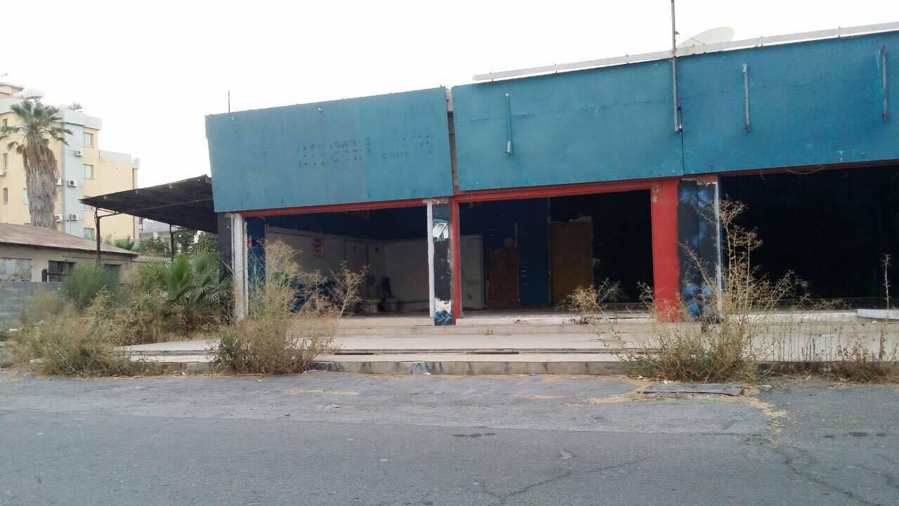 Εικόνες ντροπής σε πολυσύχναστη οδό της πόλης μας (pics)
