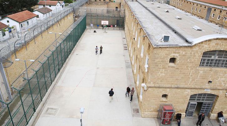 Νεκρός στο κελί του βρέθηκε νεαρός στις Κεντρικές Φυλακές