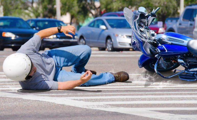 ΛΑΡΝΑΚΑ: Σφοδρή σύγκρουση στον δρόμο προς Δεκέλεια – Στο Νοσοκομείο μοτοσικλετιστής – Σύλληψη οδηγού