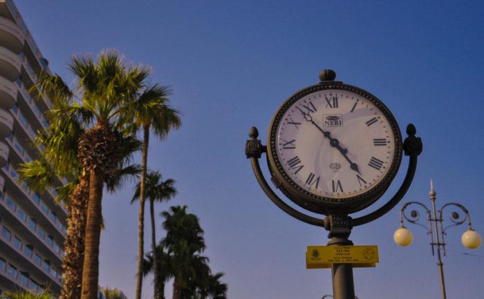 Την τελευταία Κυριακή του Οκτώβρη αλλάζει η ώρα – Στρέφονται πίσω οι δείκτες των ρολογιών