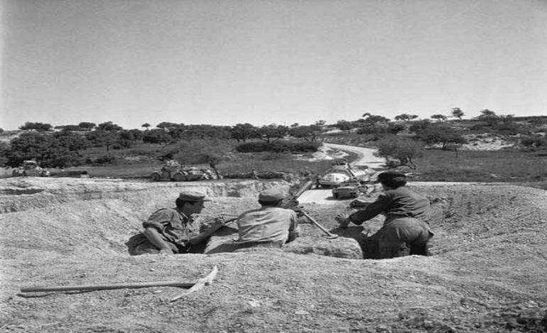 Η αιματηρή σύγκρουση της Εθνικής Φρουράς και Τουρκοκυπρίων στο χωριό Κοφίνου που άνοιξε τον δρόμο στον Αττίλα. Η παρέμβαση των Αμερικανών