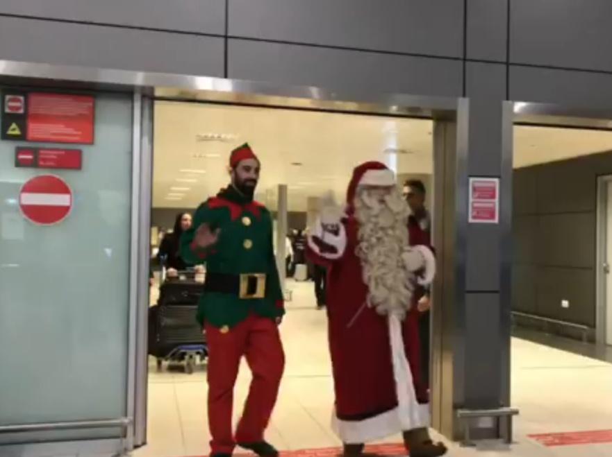 Στο Αεροδρόμιο Λάρνακας ο «Αληθινός» Άγιος Βασίλης! Που θα τον βρεις! (video)