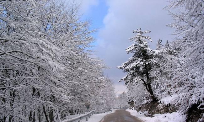 «Πιάνουν» και πάλι οι βροχές- Παγετός στα ορεινά