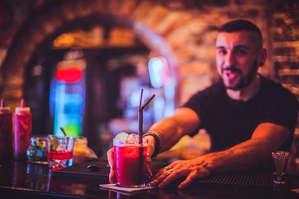Tuyển Dụng Nhân Viên Bartender