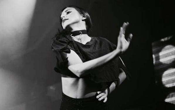 Ρομίνα Κωστέα: Η Σκαλιώτισσα χορεύτρια στο πλευρό των Ελλήνων καλλιτεχνών