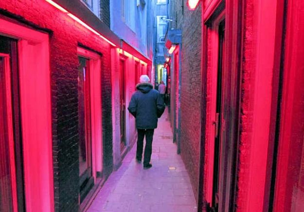 trompettersteeg-red-light-district
