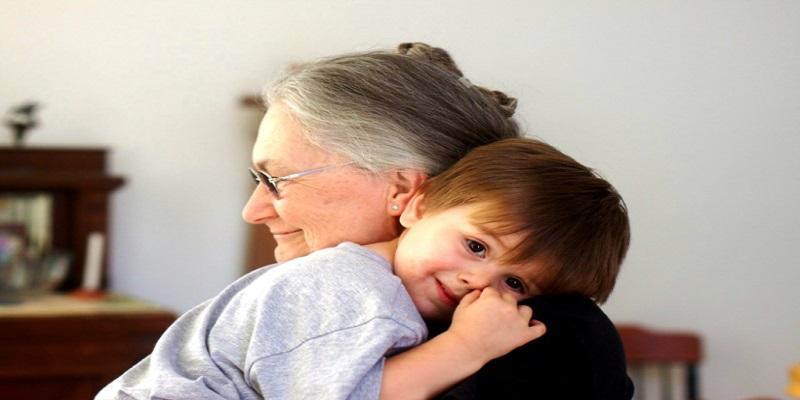 Ο πιο σημαντικός άνθρωπος στη ζωή σου είναι η γιαγιά σου. Εκείνη που σε μεγάλωσε: Τη θυμάσαι;