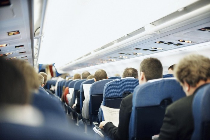 Εξοργισμένος Κύπριος πολιτικός μετά από πτήση: 'Λες και στα σκυλάδικα που είχαν πάει ήταν ησυχία…'- ΦΩΤΟΓΡΑΦΙΑ