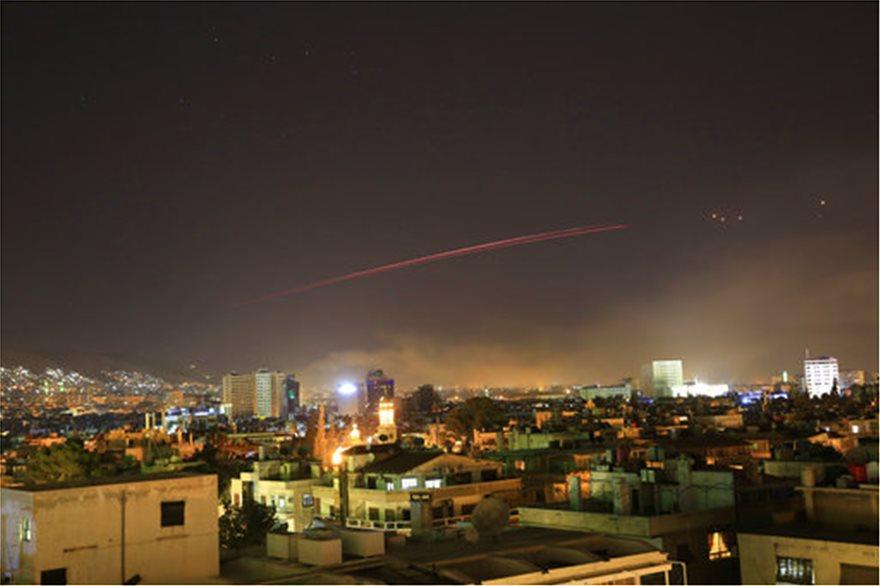 ΗΠΑ, Γαλλία και Βρετανία χτύπησαν με πυραύλους τη Συρία
