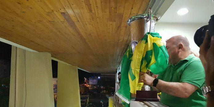 Η απόλυτη αποθέωση για τον Καραπατάκη, τι του φώναξαν οι οπαδοί και τρελάθηκε… (video)