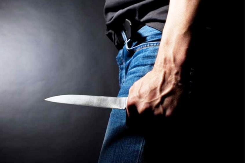 Κουβαλούσε μαχαίρι και χρυσαφικά στη Λάρνακα – Χειροπέδες σε 27χρονο