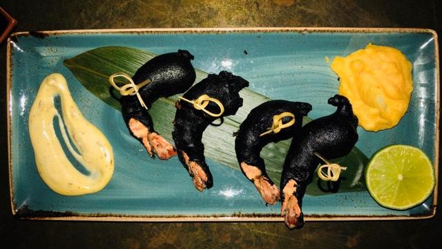 Αυτές τις μαύρες γαρίδες από το The Brewery στη Λάρνακα πρέπει να τις δοκιμάσεις (pics)