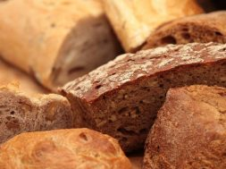 bread-399286_1280-770×438