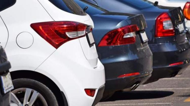 Λάρνακα : Αντί να φυλάει τ' αυτοκίνητα ταξιδιωτών, τα ενοικίαζε σε άλλα άτομα