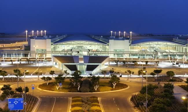 Στα πάνω του το Αεροδρόμιο Λάρνακας