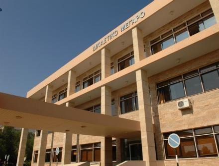 ΛΑΡΝΑΚΑ : Στο κελί οι τρεις για διαρρήξεις