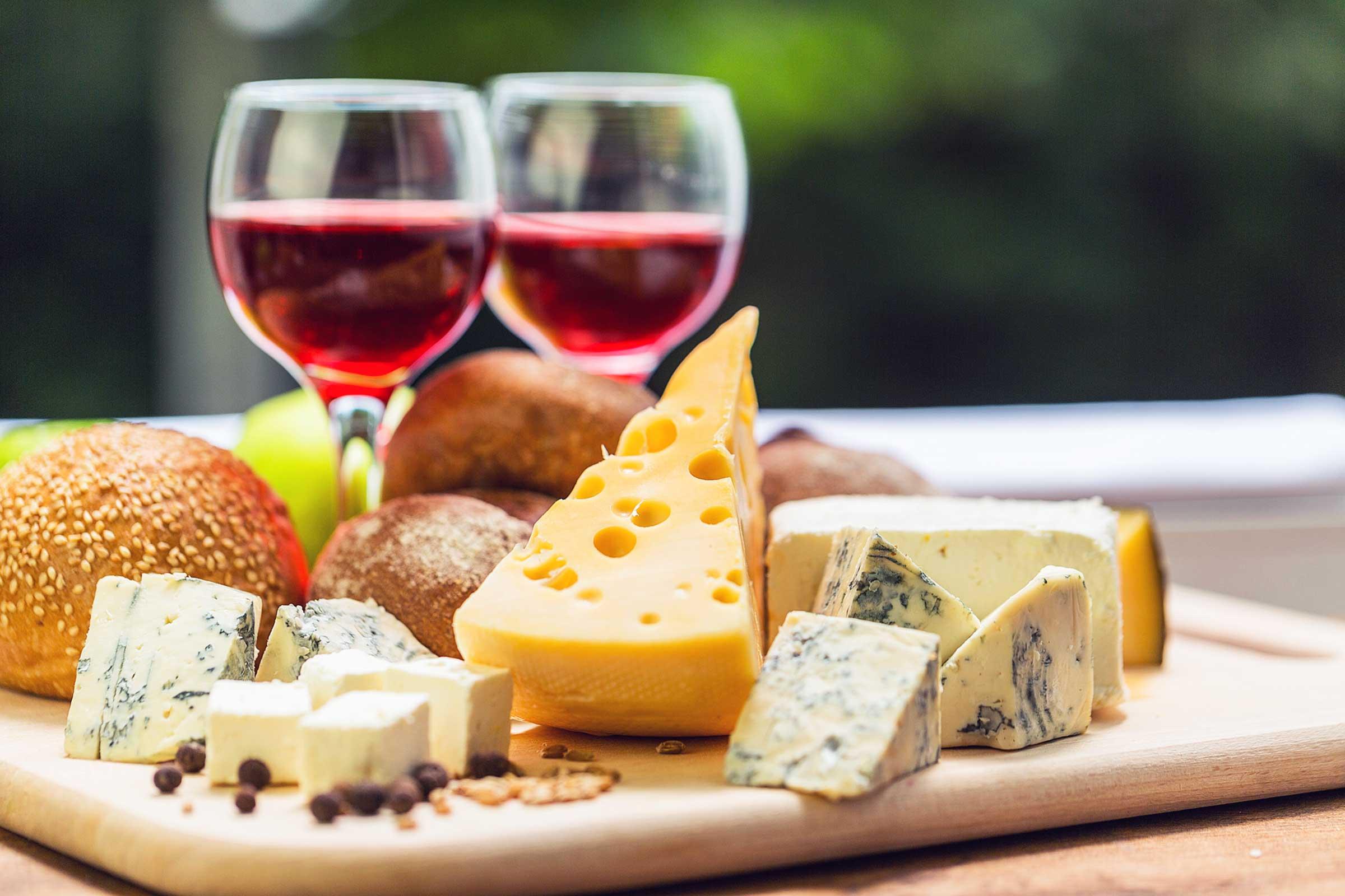 Φιλανθρωπική εκδήλωση Cheese & Wine night με Στέλλα Γεωργιάδου!