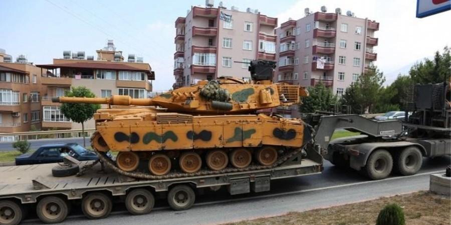 Η Τουρκία μεταφέρει άρματα μάχης στη Συρία