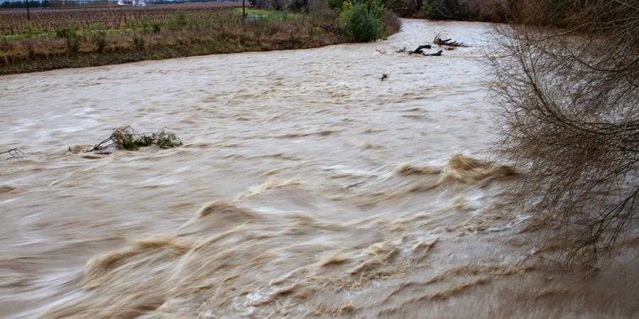 Κλειστός δρόμος λόγω υπερχείλισης ποταμού