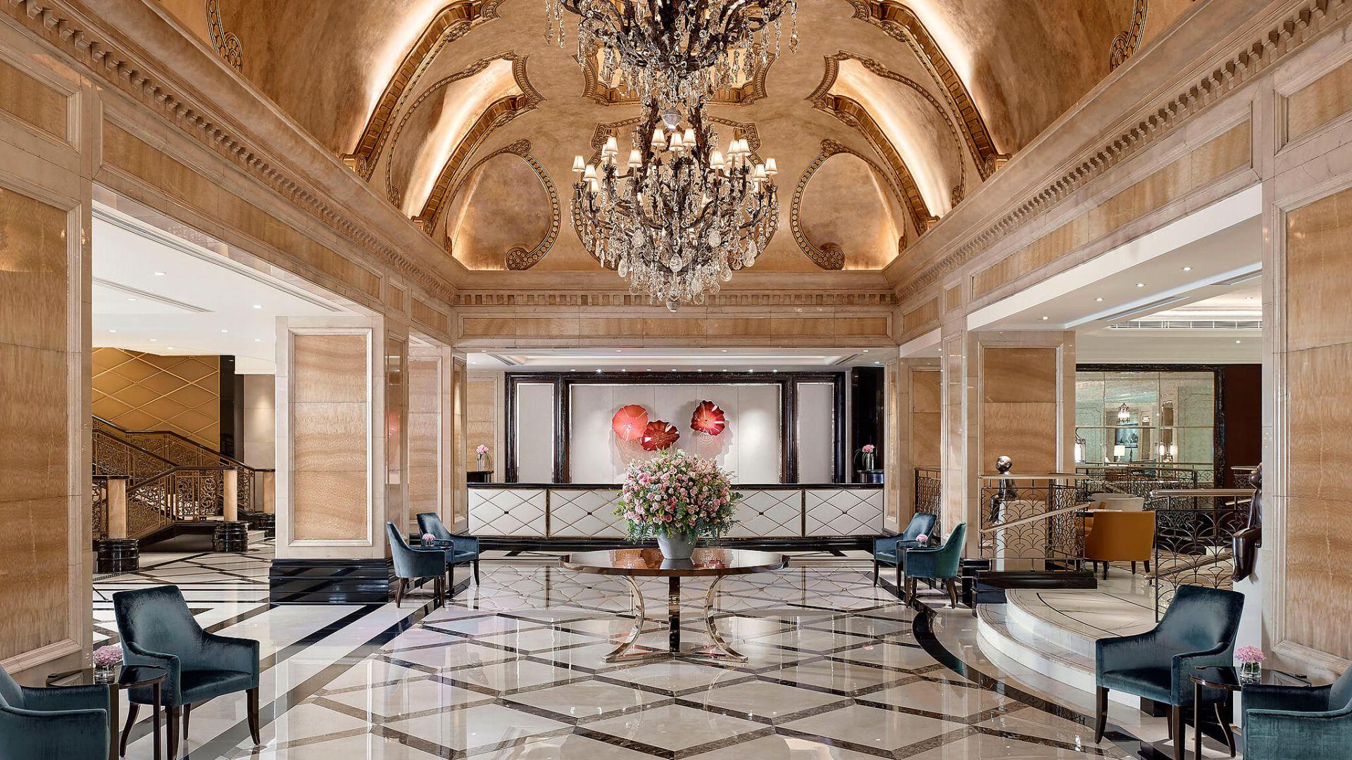 010019-01-Langham-Hong-Kong-Hotel-Lobby-Tsim-Sha-Tsui-Kowloon