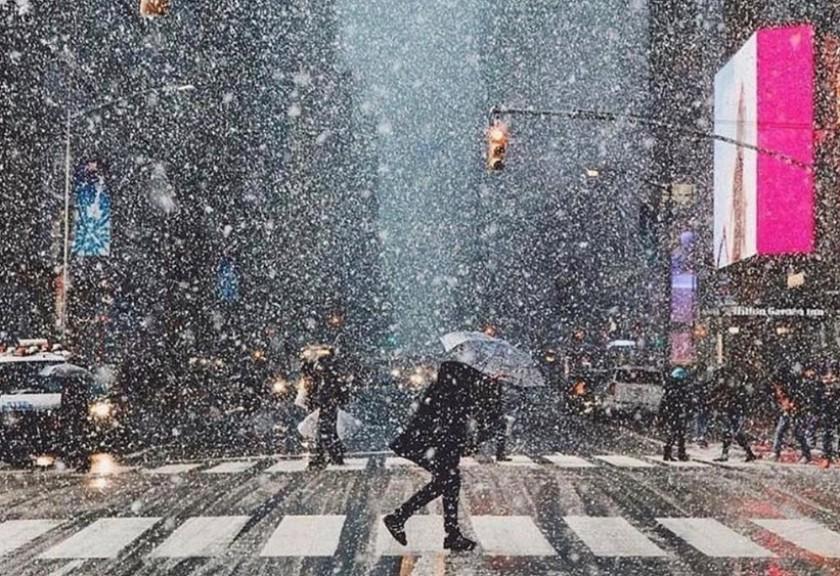 Ξεφνική χιονοθύελλα στη Νέα Υόρκη μεταμόρφωσε την πόλη – ΦΩΤΟΓΡΑΦΙΕΣ