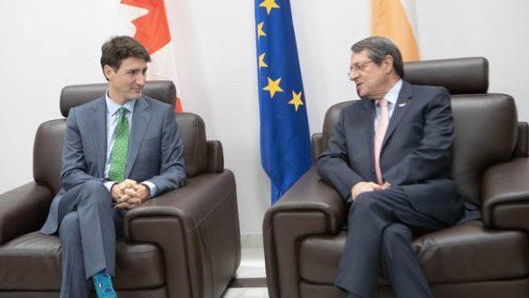 ΛΑΡΝΑΚΑ : Συνάντηση ΠτΔ με τον πρωθυπουργό του Καναδά, στο αεροδρόμιο