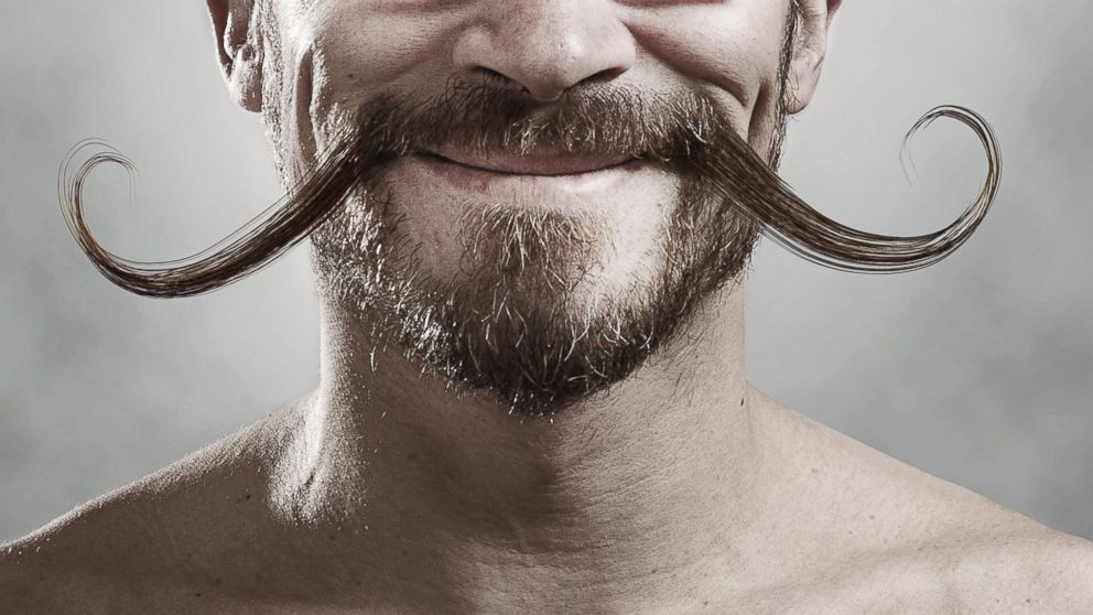 Στο Δήμο Σωτήρας καλούν όλους τους άντρες να αφήσουν μουστάκι ή μούσι