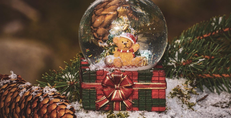 Η Δερύνεια στήνει τη δικής της Λεωφόρο Χριστουγέννων