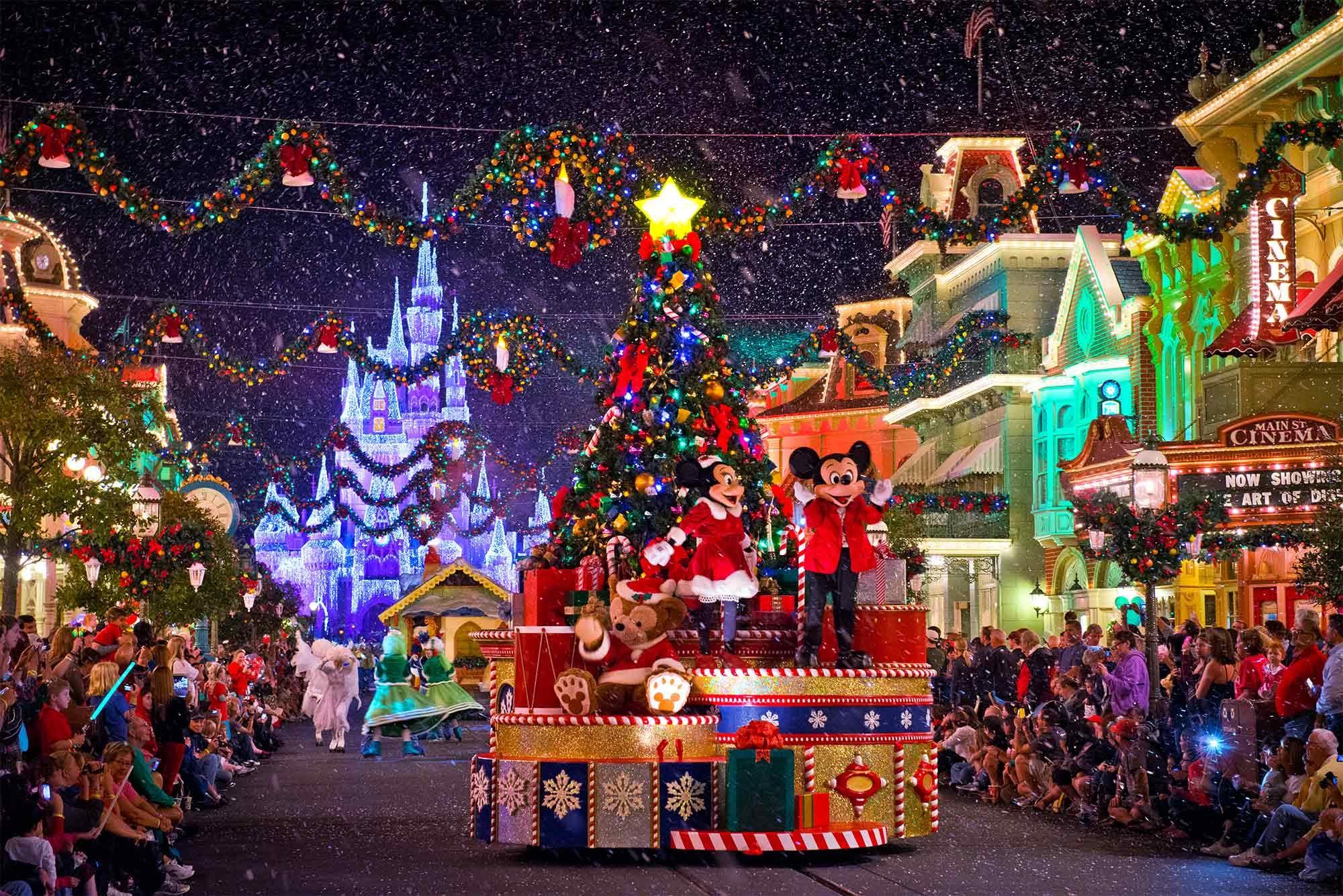 To Σάββατο ,15 Δεκεμβρίου, η μεγάλη Χριστουγεννιάτικη παρέλαση της πόλης