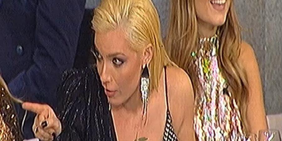 Ξεχωριστός ο τρόπος που η Καραντώνη χαιρέτησε στον Σπύρο Παπαδόπουλο – VIDEO