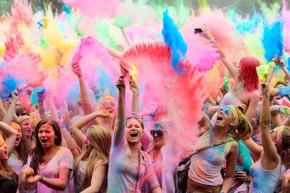 Ένα πολύχρωμο (ινδικό) φεστιβάλ έρχεται στη Λάρνακα