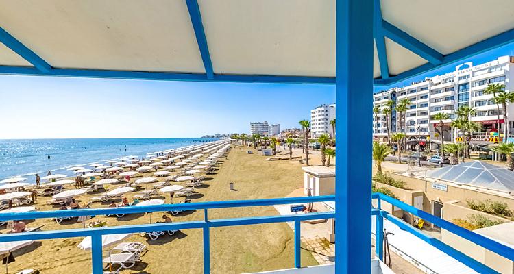 Θα έχουμε δημιουργία νέων κυματοθραυστών σε παραλίες στη Λάρνακα;