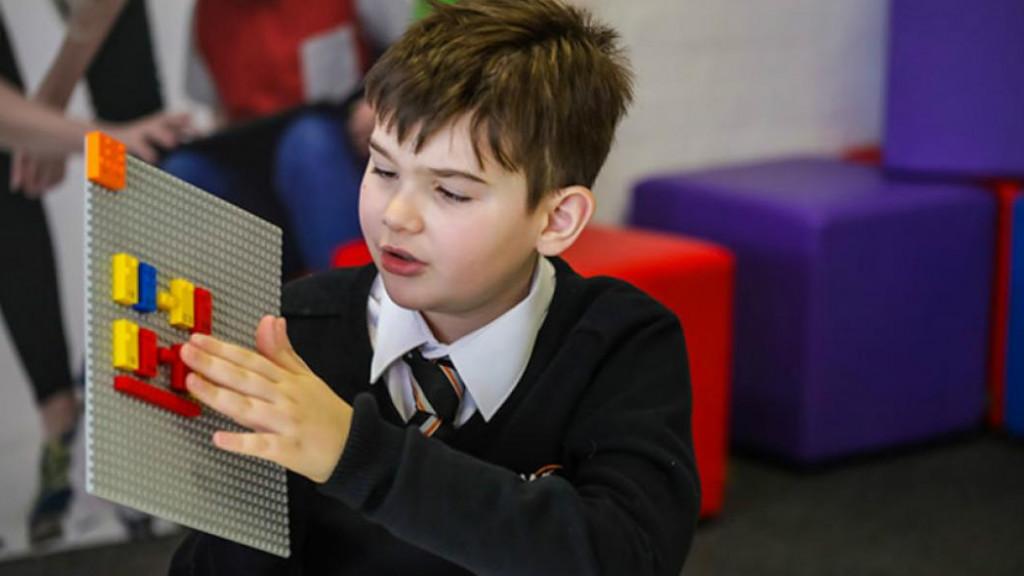 LEGO: Φτιάχνει τουβλάκια για παιδιά με προβλήματα όρασης