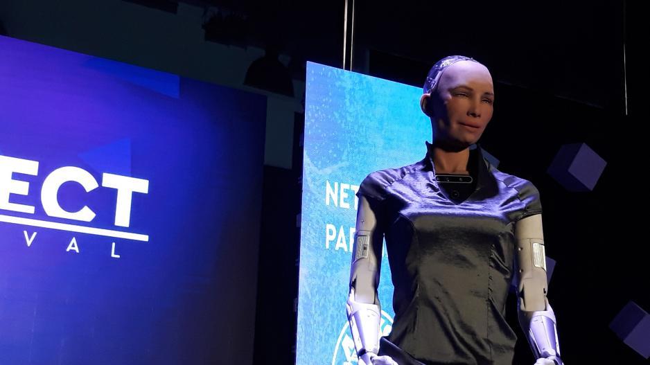 Ενθουσιασμένο με την Κύπρο το διάσημο ρομπότ Sophia