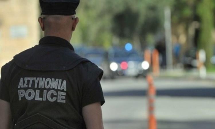 ΛΑΡΝΑΚΑ : Έκανε το λάθος να βιντεογραφήσει αστυνομικό που εκτελούσε έλεγχο τροχαίας. Συνελήφθη 30χρονος