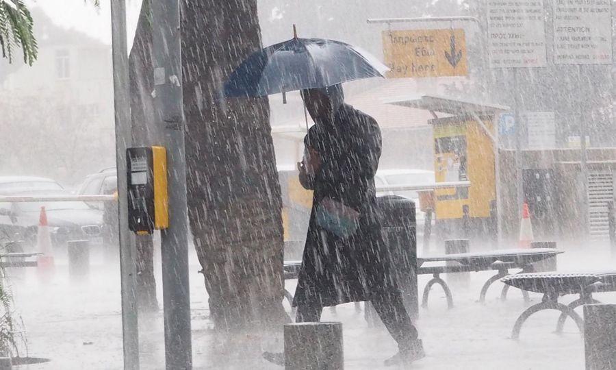 Καλοκαιριάτικα κίτρινη προειδοποίηση για ισχυρές βροχοπτώσεις