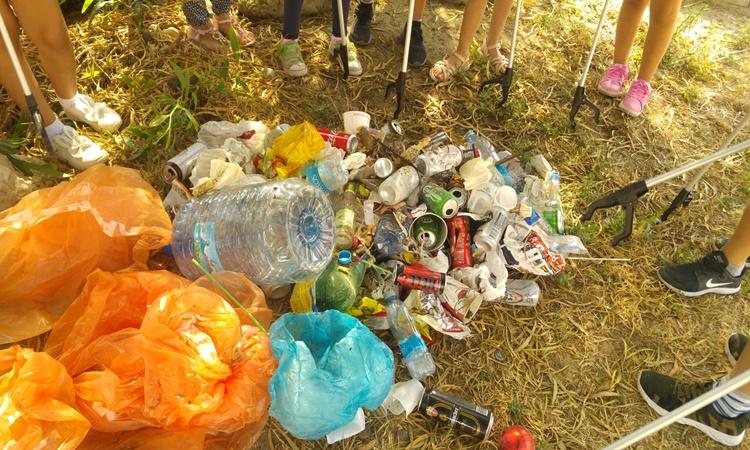 Οι μικροί μας φίλοι καθάρισαν την παραλία των Φοινικούδων (pics)
