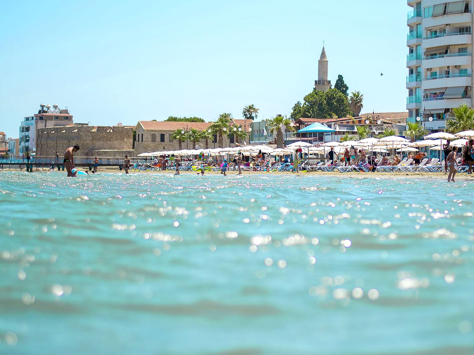 Κίτρινη προειδοποίηση για εξαιρετικά υψηλές θερμοκρασίες στην Κύπρο