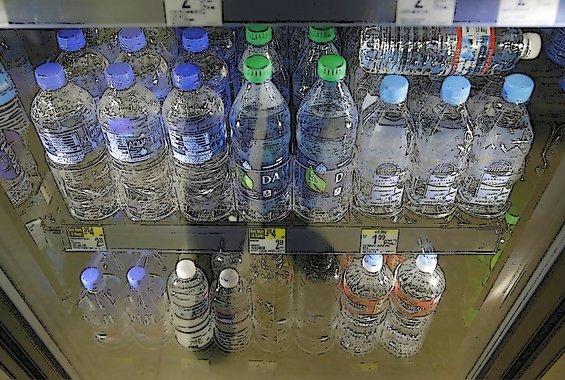 Το πρώτο αεροδρόμιο που καταργεί τα πλαστικά μπουκάλια νερού
