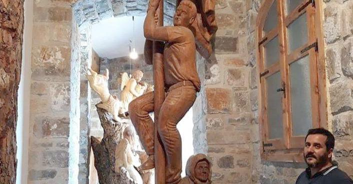 Το άγαλμα του ήρωα Σολωμού δεσπόζει στην Αξό της Κρήτης! | ΦΩΤΟ