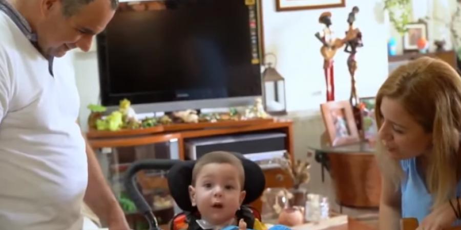 Η συγκινητική πρώτη αντίδραση της μητέρας του μικρού Αντώνη στο SigmaLive