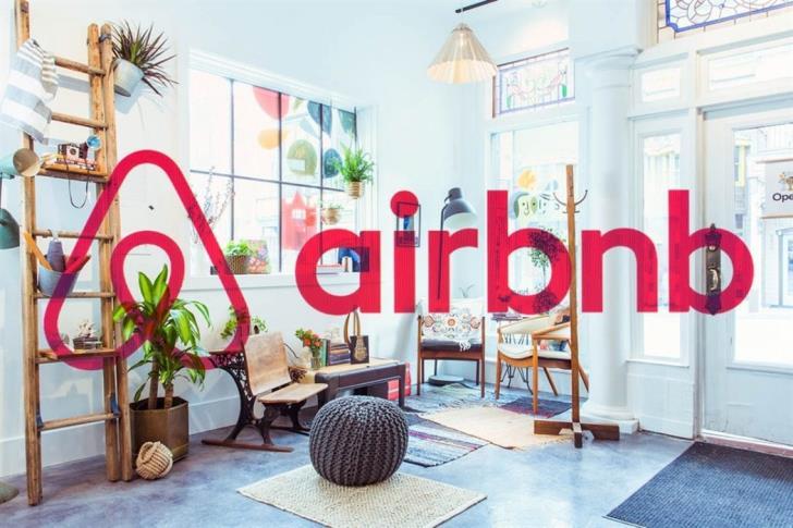 Στη μισή τιμή οι διανυκτερεύσεις μέσω Airbnb