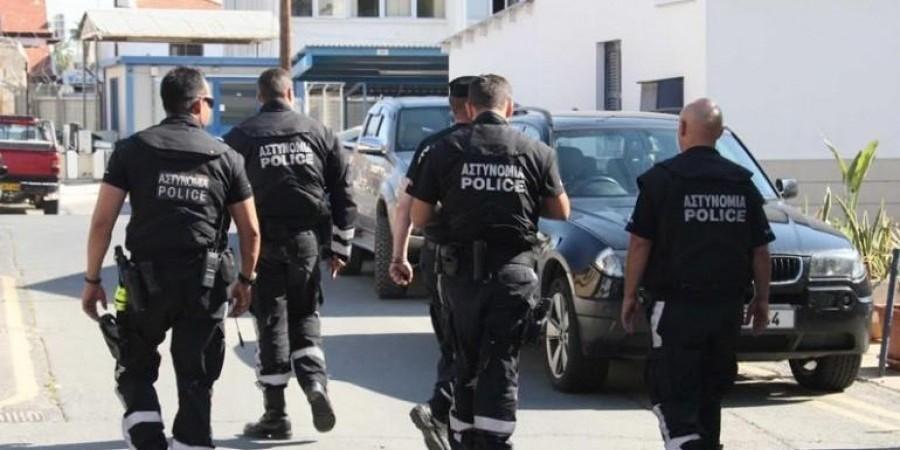 Έφοδος Αδιάφθορων στην Υπηρεσία Αλλοδαπών Λάρνακας