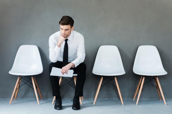 Πολλές οι θέσεις εργασίας αλλά λίγα τα λεφτά
