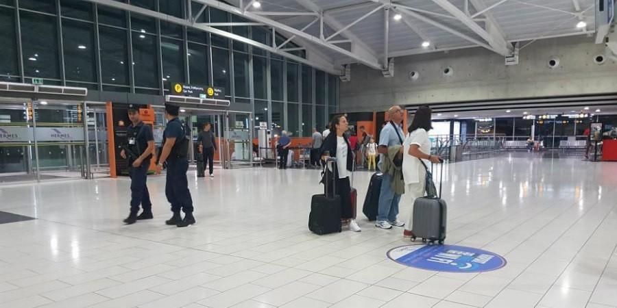 Έγκυος γυναίκα πιάστηκε στο αεροδρόμιο Λάρνακας με πλαστό διαβατήριο